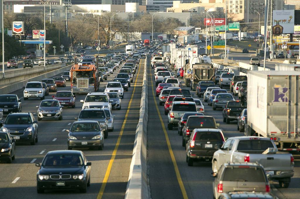 Traffic on I-35